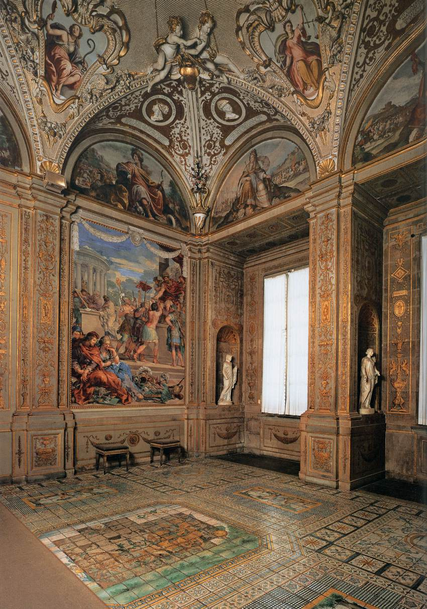 Frescoes and interiors in the palazzo pitti florence for Palazzo pitti