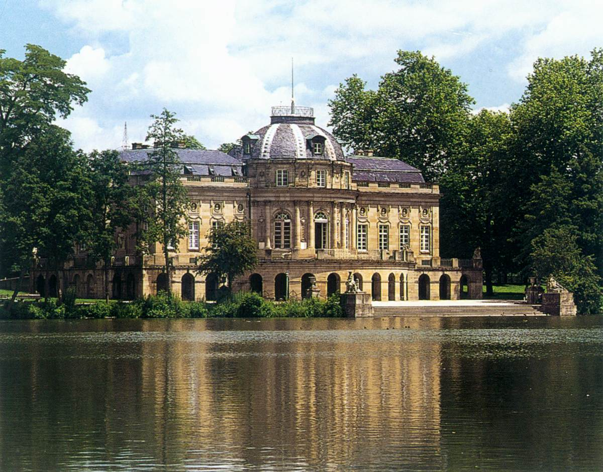 exterior view by architect german. Black Bedroom Furniture Sets. Home Design Ideas